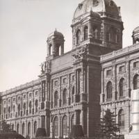 Maria-Theresienplatz: Sandstrahlentrostung und Spritzverzinkung durch Rudolf Rengshausen
