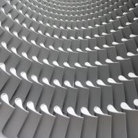 Rudolf Rengshausen: Strahlen von Dampfturbinenteilen (Rotor und Leitschaufelblätter) mit Glasperlen