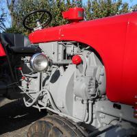 Rudolf Rengshausen: Sandstrahlen, Zn-Metallisierung und Grundierung eines Steyr Traktors T84, Baujahr 1957